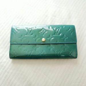 Auth LV Sarah long bifold wallet vernis blue